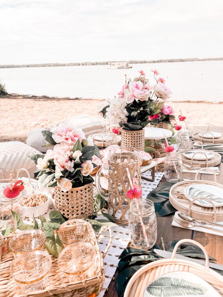 Lakeside picnic in Detroit lakes. Bachelorette ideas